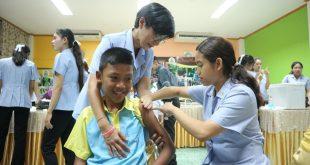กิจกรรมฉีดวัคซีนเสริมสร้างภูมิคุ้มกันให้กับนักเรียน