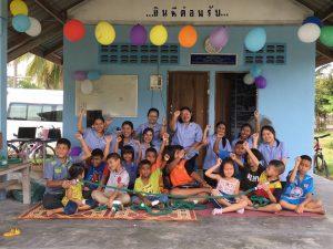 """โครงการ""""ชวนน้องเด็กปากพูน กินดีเล่นสนุกสร้างเสริมสติปัญญา"""" ในรายวิชา NUR-464 ปฏิบัติการพยาบาลชุมชน"""